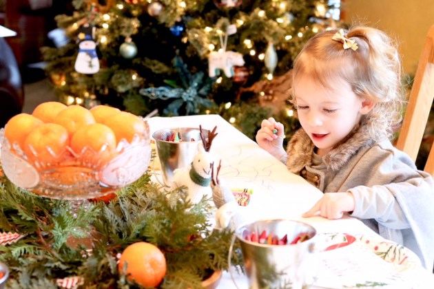 DIY Colorful and Fresh Christmas Kids Table - Coloring and snacking