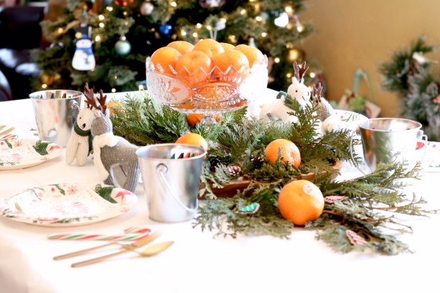 DIY Colorful and Fresh Christmas Kids Table - Paper Table Cloth for Coloring