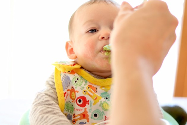 First food for baby. Introducing baby to his first foods. Mom Blog.