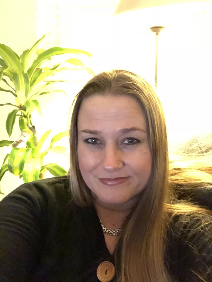 Rich Sugar Momma Ready to Meet You - Accept Connection