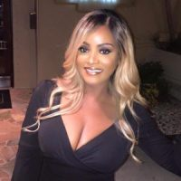 Rich Sugar Mummy in Australia Wants To Connect With Someone – Are you there?