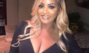 Rich Sugar Mummy in Australia Wants To Connect