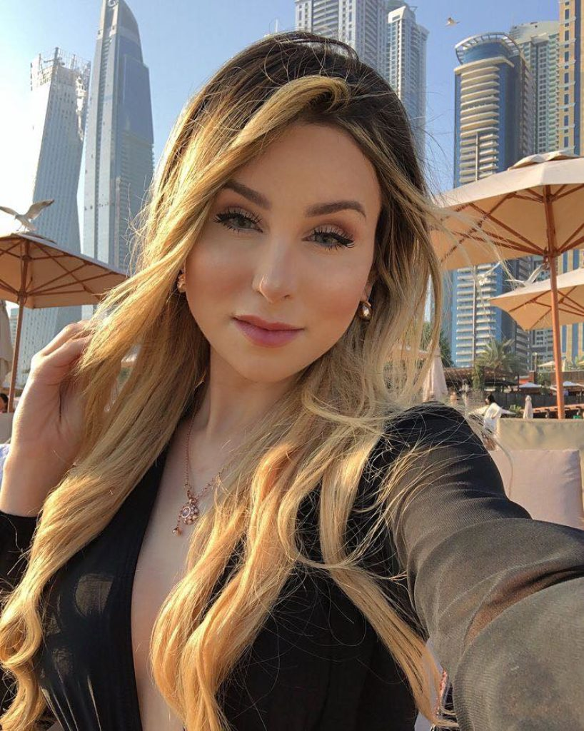 Free Job, Visa And Accommodation From Dubai Sugar Mummy