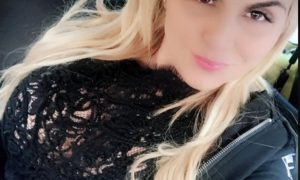 This Rich Sugar Mummy From USA Needs a Sugar Boy, She Is Online