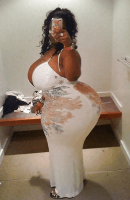 Connect With Sugar Momma Tracy – She's Rich [Phone Number Included]