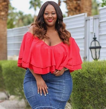 Rich Sugar Mummy In South Africa Is Requesting Your Number And Wants To Connect With You