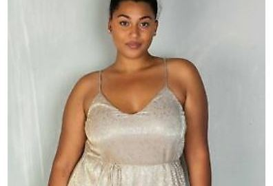 This Rich Sugar Mummy Whatsapp Number Is Now Available