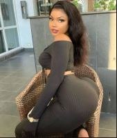 Rich Sugar Momma In Leeds, UK Ready To Pay You Monthly – Chat Now