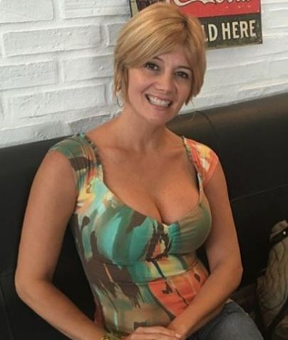 This Rich Sugar Mummy From Australia Wants To Connect With You