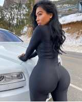 Rich Dubai Based Young Sugar Mummy WhatsApp Phone Number Is HERE For YOU