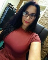 This Rich Sugar Mommy From USA Needs YOU, She Is Online – Click HERE And Chat With Her