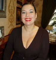 Rich Sugar Mummy Wants To Spend Heavy Cash On You – She's Online and Waiting
