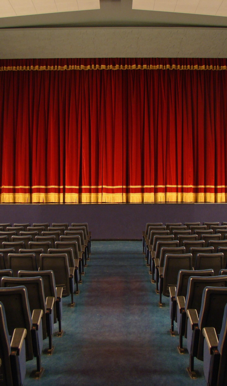 Una sala per incontrarsi: il Cinema Esperia in festa