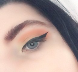 Yellow-orange sunset eyes