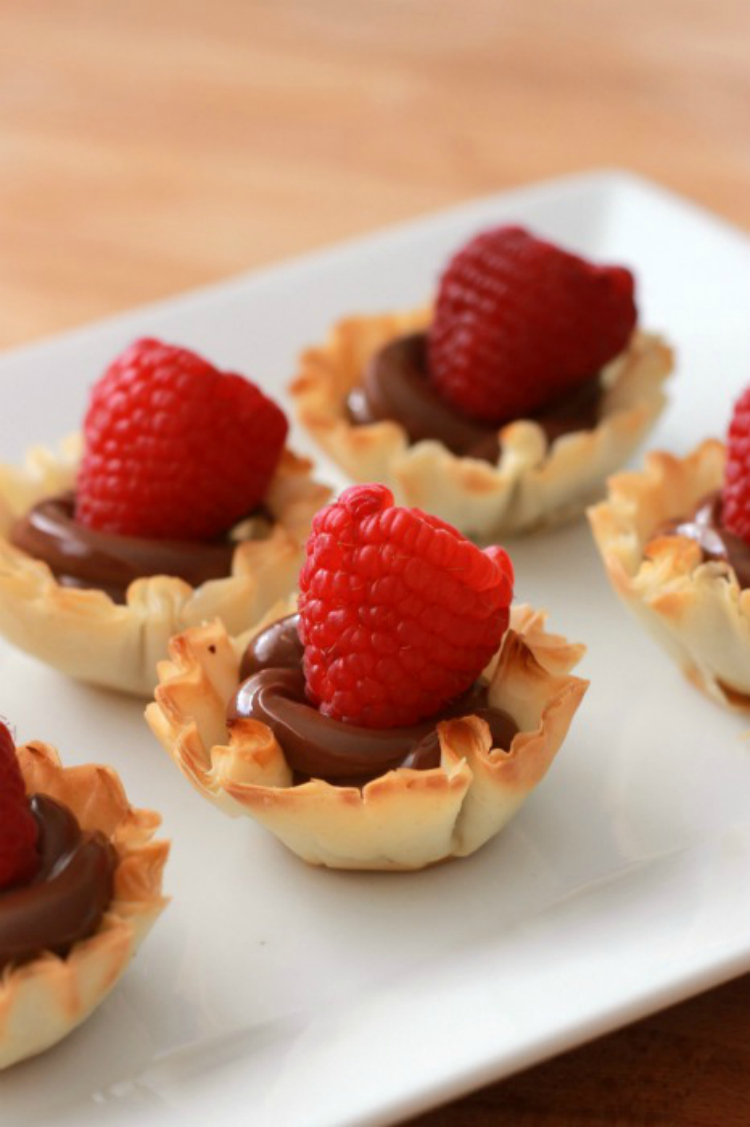 Nutella-and-Raspberry-Fillo-Cup-2