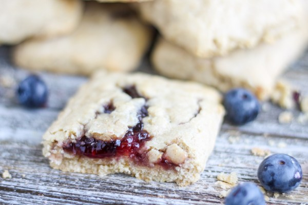 Copycat Nutri Grain Bars. Soft, oatmeal bars filled with delicious, homemade fruit jam. These are so good that you will never want to buy store breakfast bars again.