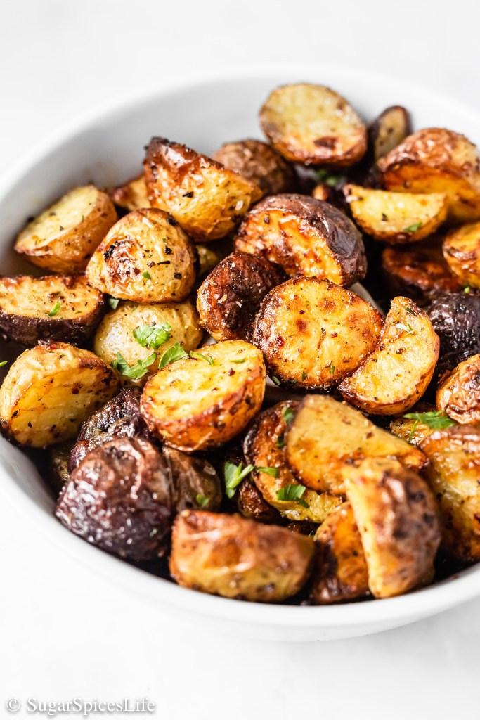 Deliciously buttery, perfectly seasoned, crispy baby potatoes. These Air Fried Buttery Steakhouse Potatoes are made with Kinder's® Buttery Steakhouse Rub, giving you 20 minute flavor in 20 seconds. #KindersAtWalmart
