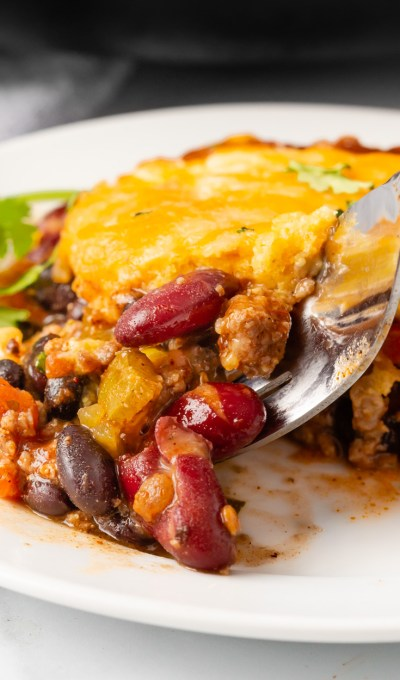 Skillet Beef and Cornbread Casserole