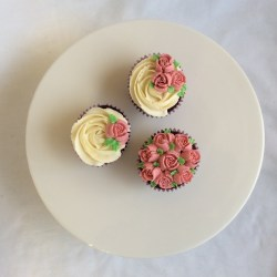 Delicate Flowers Cupcakes
