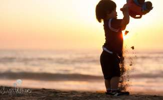 SugaShoc_Photography_Children_Photographer_Bucks County_Doylestown_PA_child_half_moon_bay_sun_truck