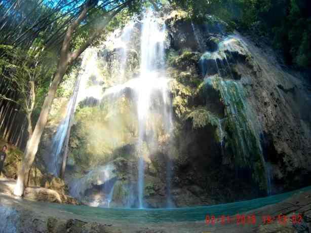 tumalog-falls-oslob-cebu4