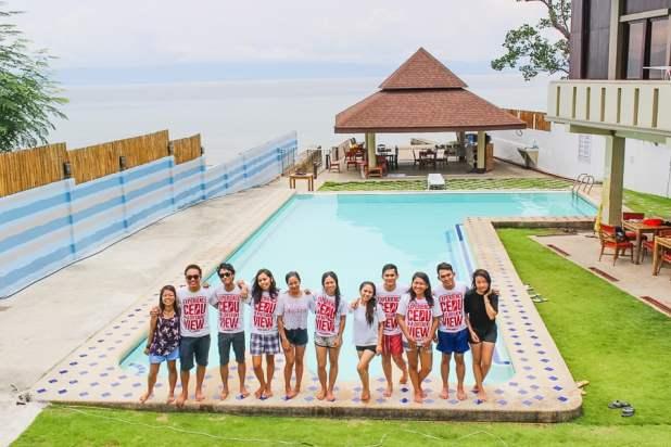 <center><strong>Estaca Bay Resort (July 2017)</strong></center>