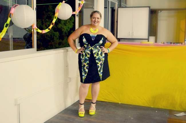 plus size city chic neon dress outfit 005
