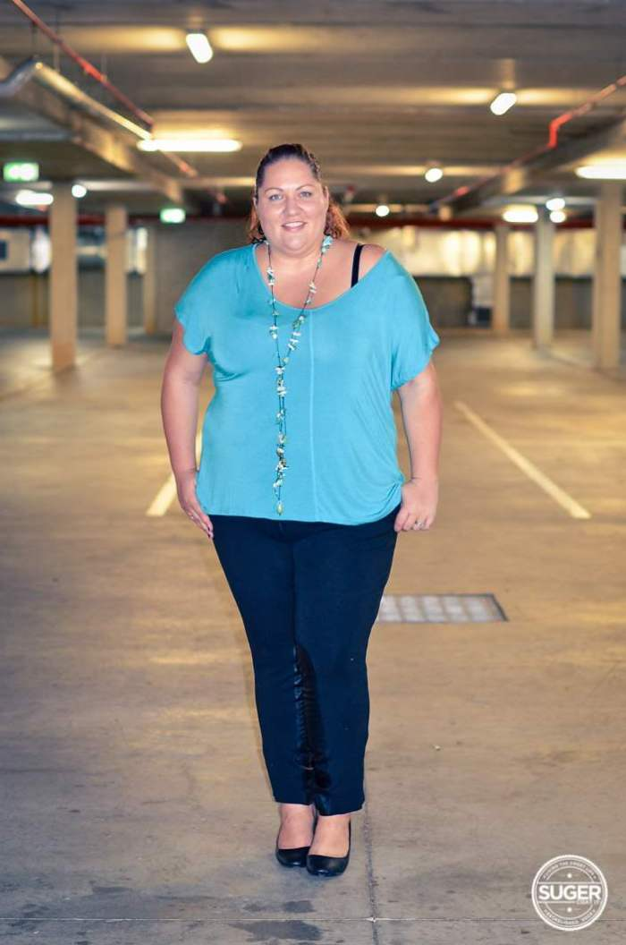plus size oversized t-shirt 17 sundays moto pants harlow-4