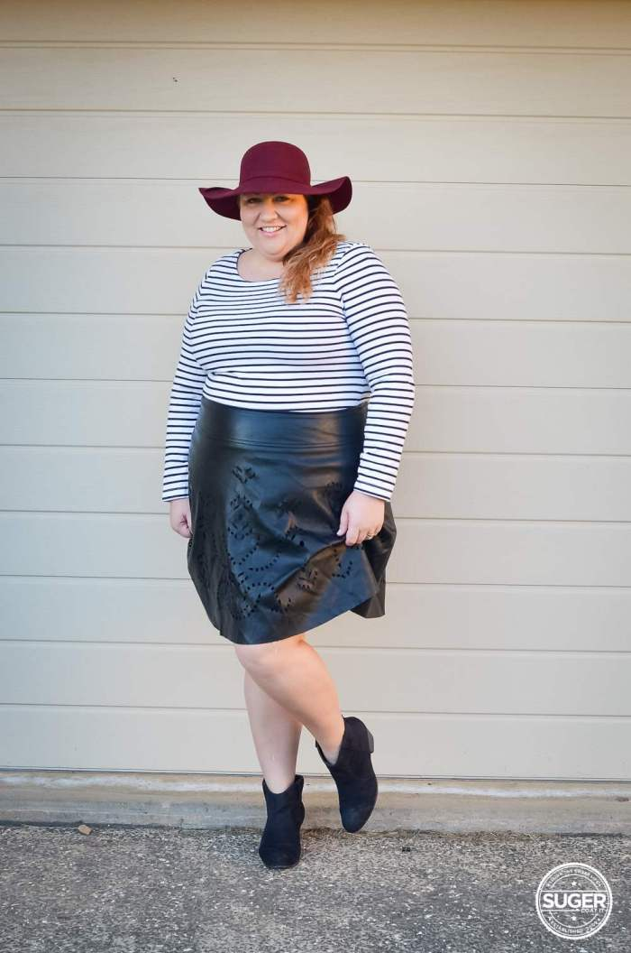 plus size stripe jumper + leather skirt + felt hat-4
