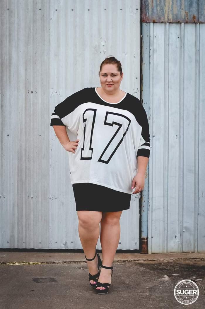 plus size oversized varisty tee outfit 17 sundays-1