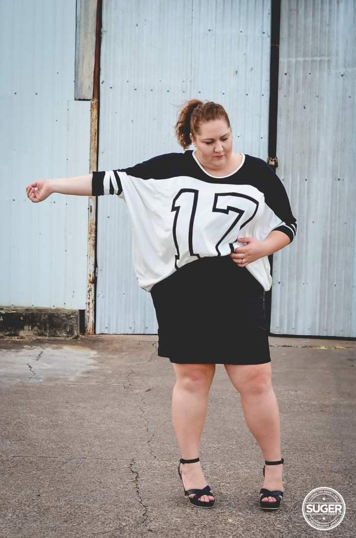 plus size oversized varisty tee outfit 17 sundays-8