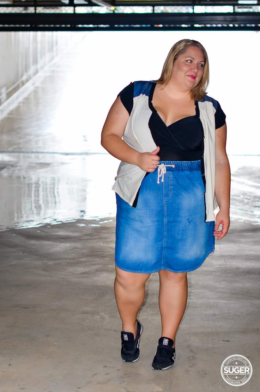 casual plus size denim skirt outfit 17 sundays-1
