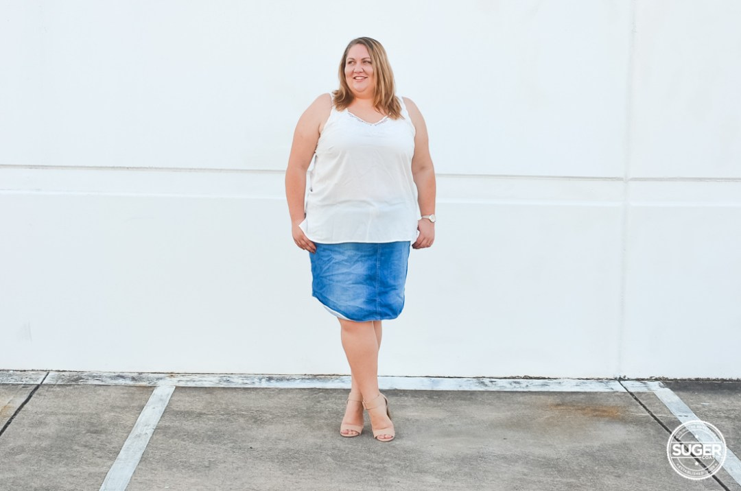 plus size white tank denim skirt casual outfit-9
