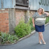 plus size blogger casual weekend outfit 17 sundays knit asos curve denim skirt