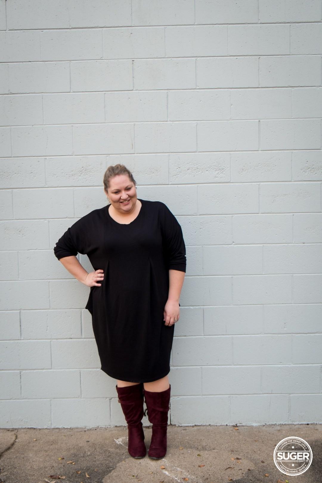 plus size fashion blogger slouchy black dress boots-3