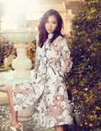 Kim Won Kyung Floral Allure Magazine April 2013 (8)