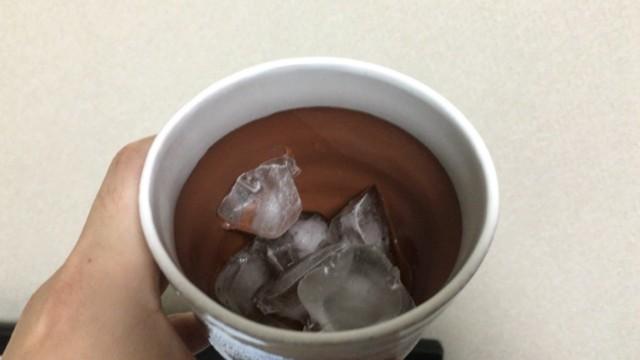 氷とコークハイボール