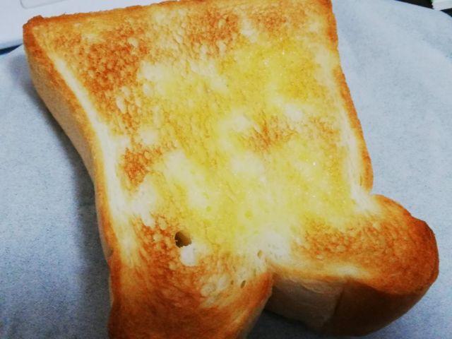 焼き上がったパン