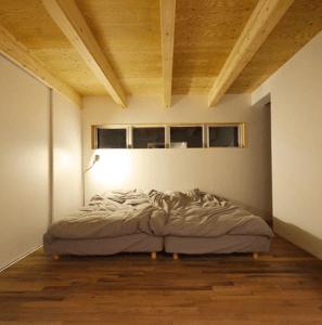 【シンプルライフのための暮らし方10】大きなクローゼットがあれば、あえて家具を置かない選択肢も