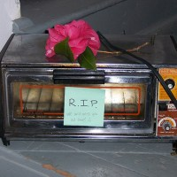 Eulogy To A Toaster (Tribute to Ogden Nash)