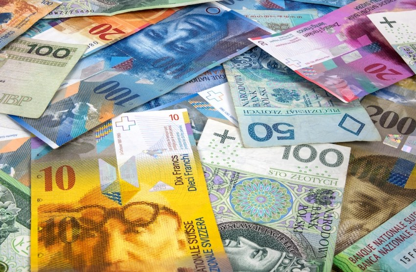 Fshehin mbi 70 mije franga Zvicerrane, kapen nga policia