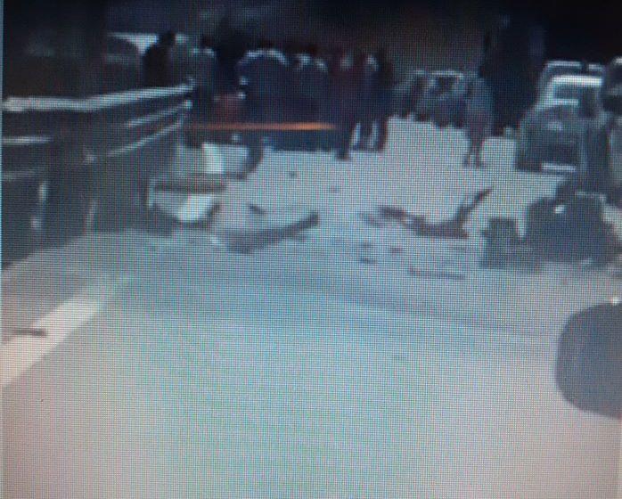 """Konfirmon policia: Shtatë persona u lënduan në aksidentin mes një veture dhe kamioni në autostradën """"Ibrahim Rugova"""""""