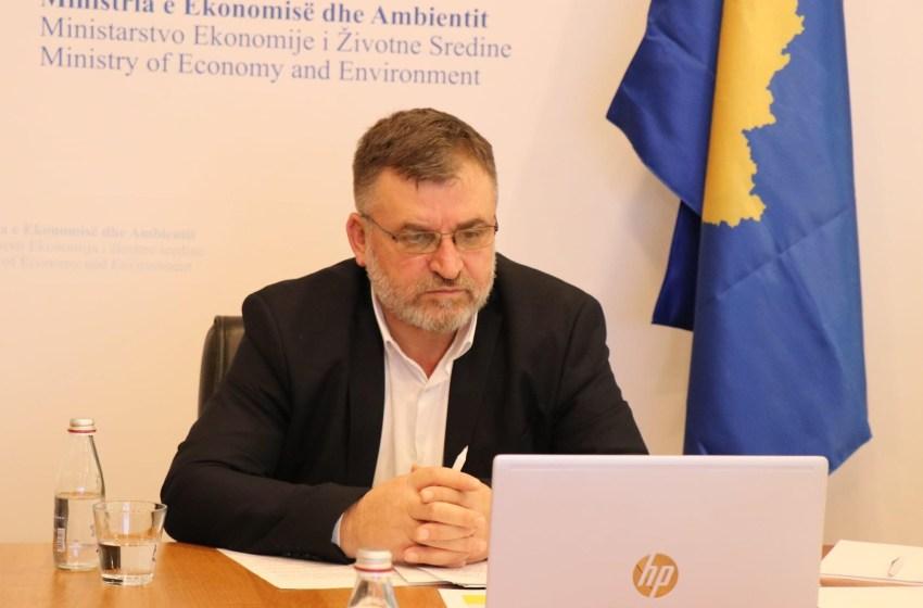 Ministri Kuçi i përgjigjet deputetit Zyba dhe deputetës Ismaili