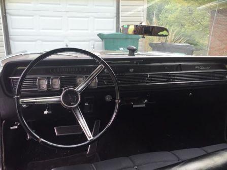 1965 Lincoln Continental dashboard