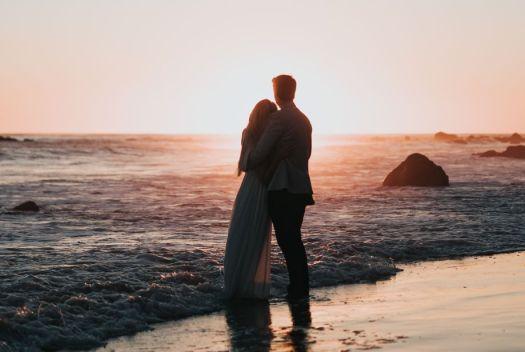 もしかしてふたりは運命の関係かも。当たる相性占いで恋愛の行方を占う