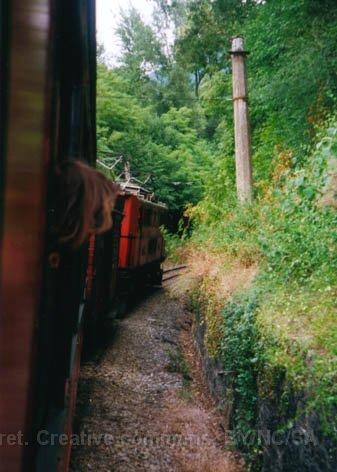 F - chemin de fer de la Mure peu après le départ de St-Georges