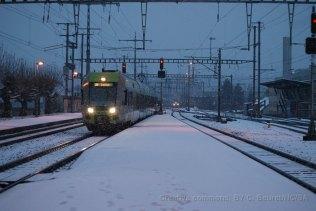 Le RE pour Luzern. Derrière on devine un train de marchandise venant du raccordement de Löchligut