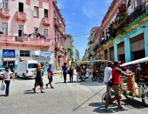 A busy street in Central Havana