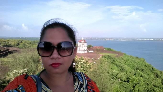 Suitcase Six Bhavi-selfie Wandering Women