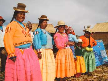 Suitcase Six Lake-Titicaca Wandering Women